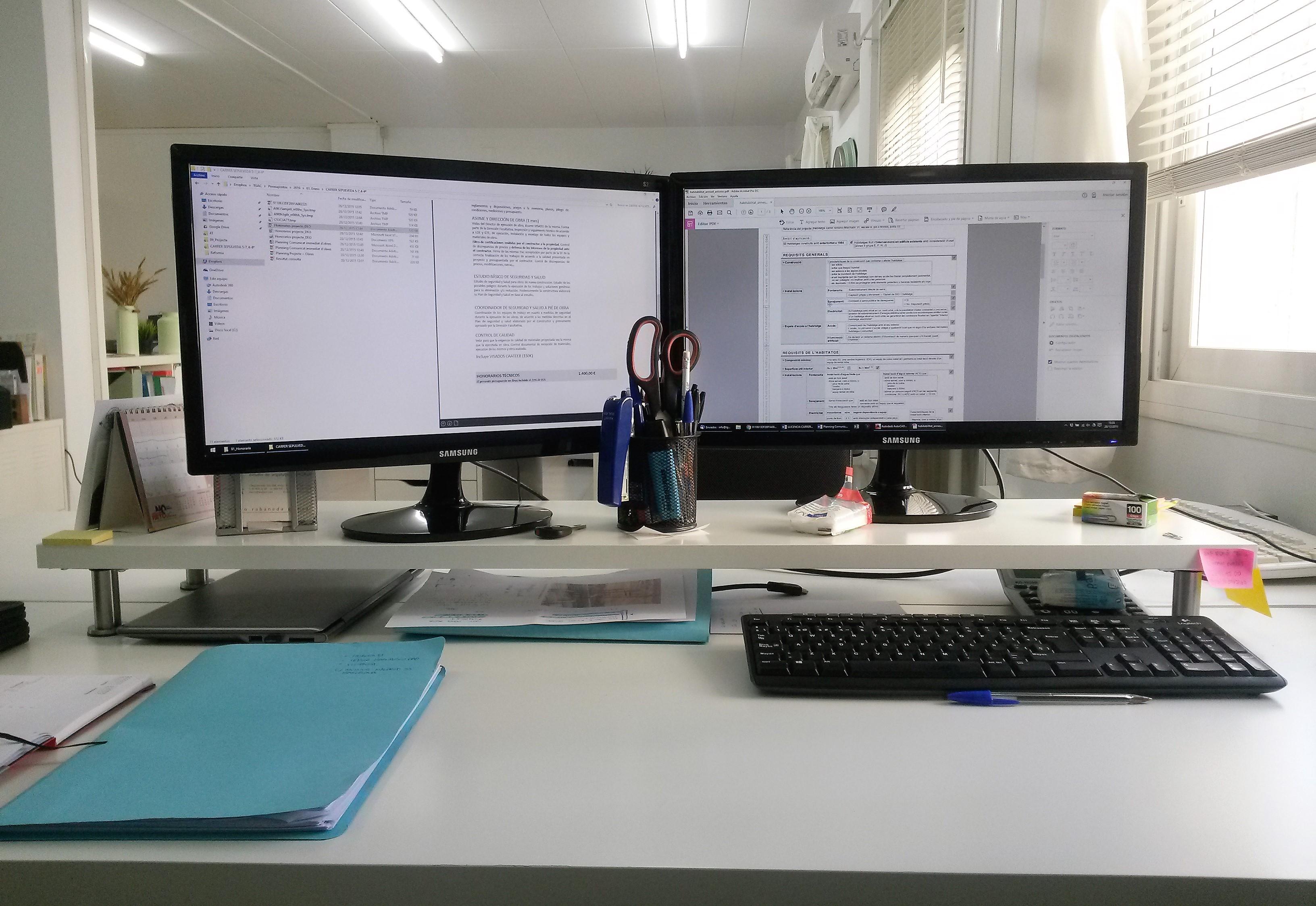 Espacio de trabajo by ikea molletcoworking - Elevador monitor ikea ...